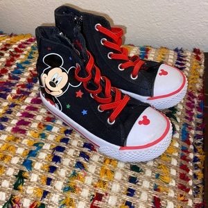 Kids Mickey sneakers